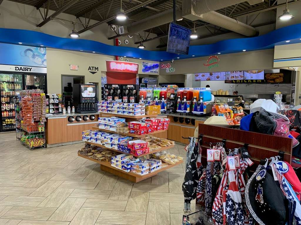FUEL MAXX #60 - gas station  | Photo 6 of 10 | Address: 45620 US-290 BUS, Prairie View, TX 77446, USA | Phone: (936) 261-7070