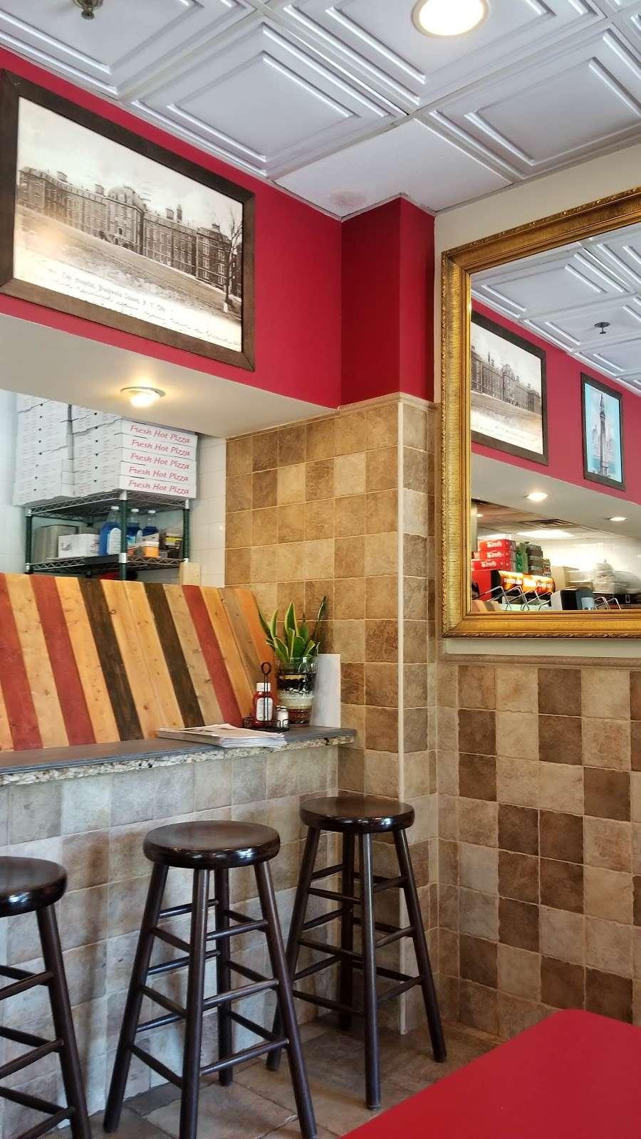 Piccolo Trattoria Italian Restaurant - restaurant  | Photo 1 of 10 | Address: 455 Main St, New York, NY 10044, USA | Phone: (212) 753-2300