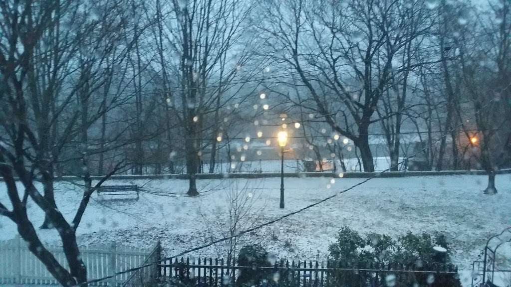 Hilltop Park - park  | Photo 5 of 8 | Address: 1 Bank St., Delaware and Raritan Canal State Park Trail, Bordentown, NJ 08505, USA