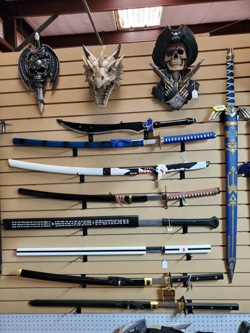 Twisted Js Knives & Tactical - store  | Photo 8 of 9 | Address: 1808 Clovis Rd, Lubbock, TX 79415, USA | Phone: (806) 448-8210