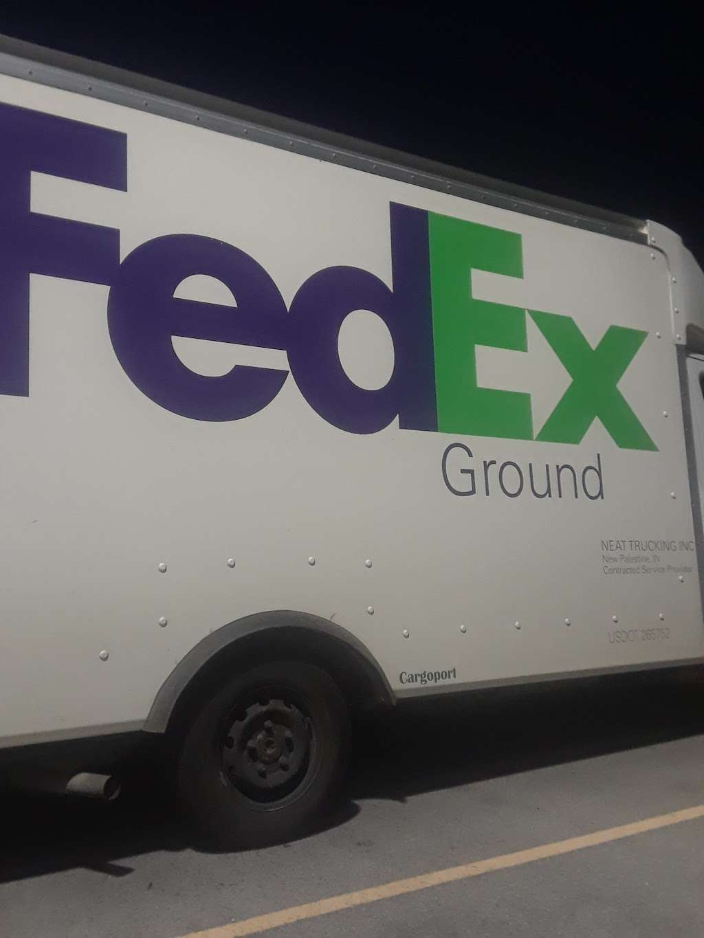 FedEx Ground - moving company  | Photo 8 of 10 | Address: 10301 Bennett Pkwy, Zionsville, IN 46077, USA | Phone: (800) 463-3339