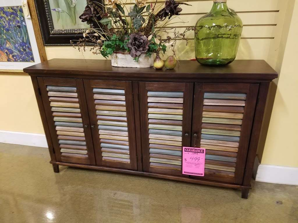 Arwoods Furniture & Mattress - Missouris LARGEST Furniture Sto - furniture store    Photo 9 of 10   Address: 801 Pride Ave, Warrensburg, MO 64093, USA   Phone: (660) 429-2264