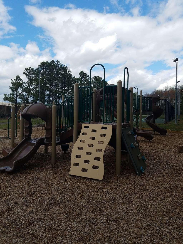 Levelle W. Dupell Park - park  | Photo 9 of 10 | Address: 6812 Newington Rd, Lorton, VA 22079, USA | Phone: (703) 324-8732