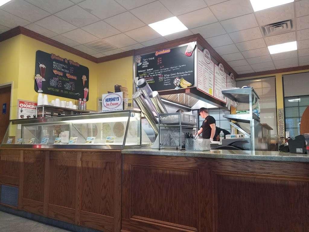 Fat Ernies - restaurant  | Photo 1 of 9 | Address: 24924 Jericho Turnpike, Floral Park, NY 11001, USA | Phone: (516) 502-6520