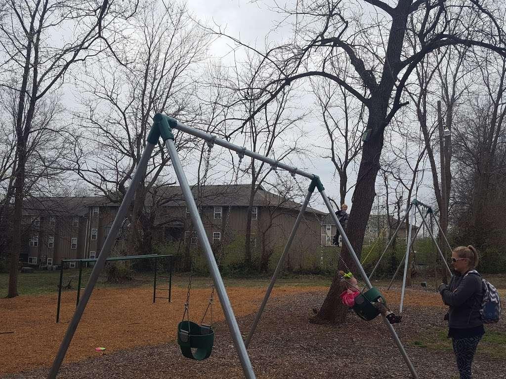 Arthurs Hill Park - park    Photo 3 of 3   Address: 231 S Jewell St, Liberty, MO 64068, USA