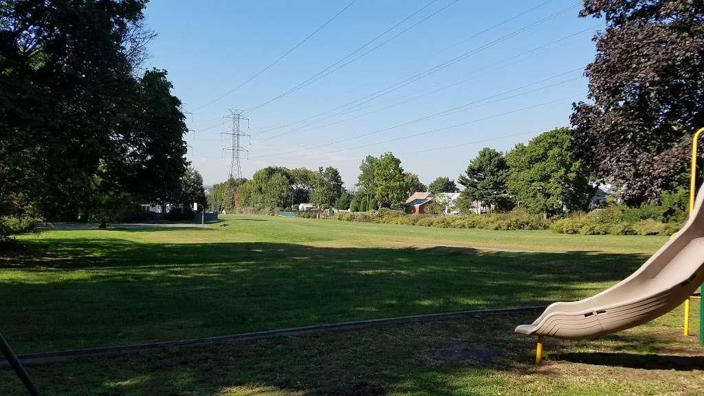 Fisher Field - park  | Photo 6 of 10 | Address: 97 6th St, North Arlington, NJ 07031, USA