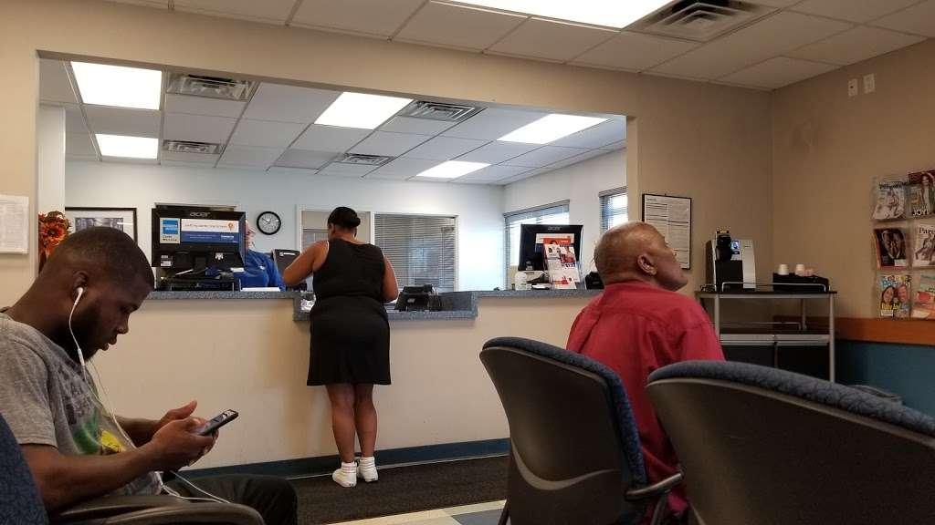Concentra Urgent Care - physiotherapist  | Photo 6 of 8 | Address: 7000 Holstein Ave, Philadelphia, PA 19153, USA | Phone: (215) 365-7510
