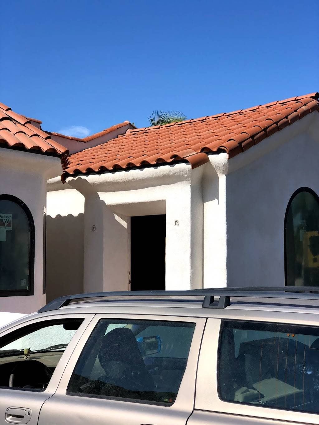 Allied Building Products, A Beacon Roofing Supply Company - home goods store  | Photo 2 of 6 | Address: 1212 W 58th St, Los Angeles, CA 90037, USA | Phone: (323) 753-1277