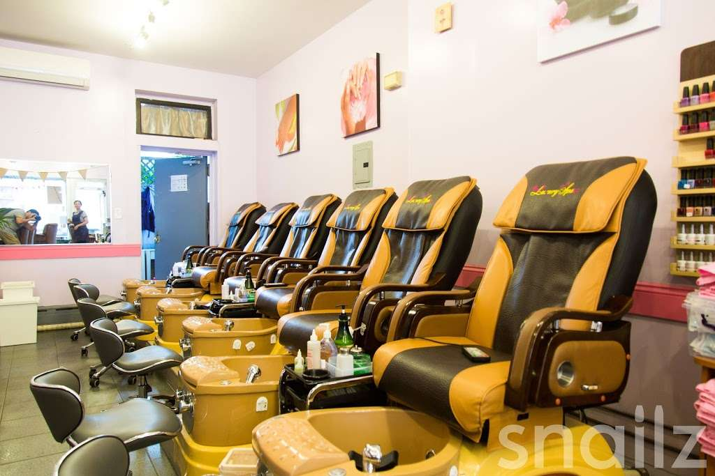 JZ Nails - hair care    Photo 8 of 10   Address: 310 Court St, Brooklyn, NY 11231, USA   Phone: (718) 855-4398
