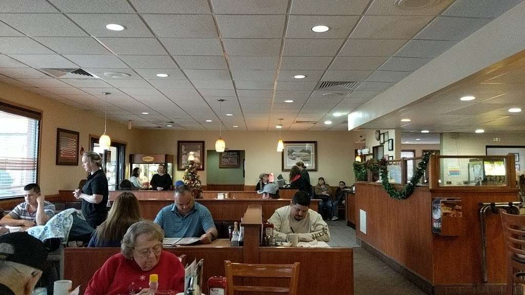 Dennys - restaurant  | Photo 4 of 10 | Address: 7207 Garth Rd, Baytown, TX 77521, USA | Phone: (281) 839-1191