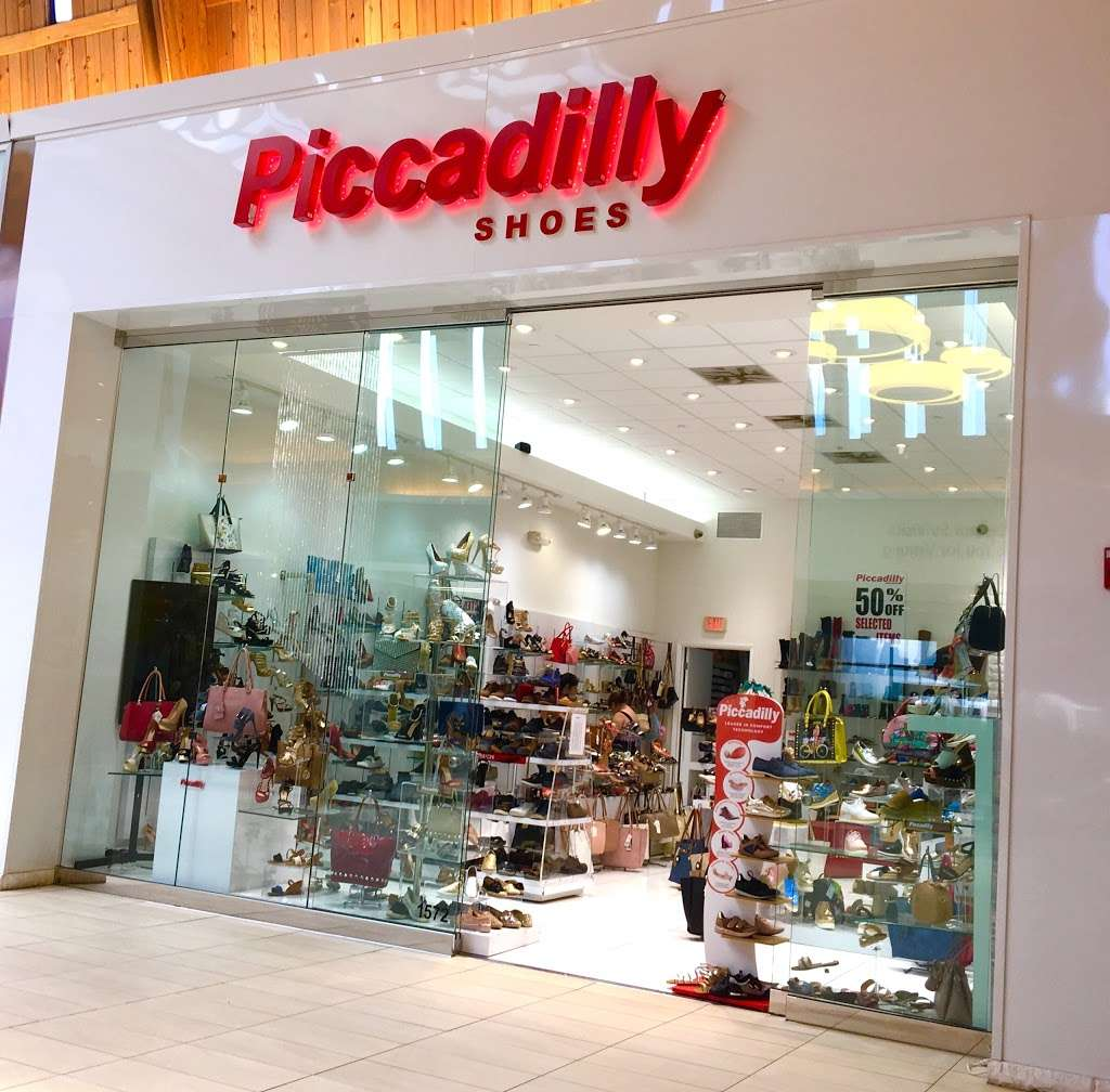 ISHOES STORE AT WESTLAND MALL, PICCADILLY AND BEIRA RIO SHOES - shoe store  | Photo 7 of 10 | Address: 1675 W 49th St, Hialeah, FL 33012, USA | Phone: (305) 819-2996
