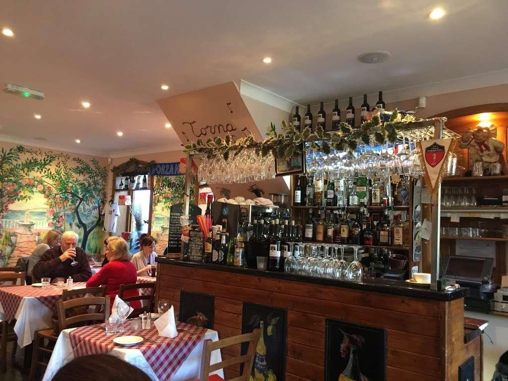 Dal Nonno Italian Restaurant Pizzeria Sandy Ln Crawley