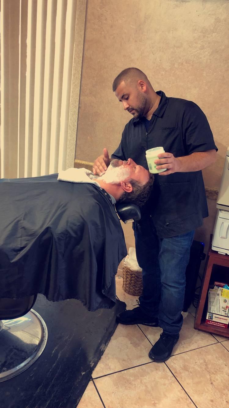 Bs Lounge Barber Shop - hair care  | Photo 6 of 10 | Address: 10105 E Vía Linda, Scottsdale, AZ 85258, USA | Phone: (480) 614-1088