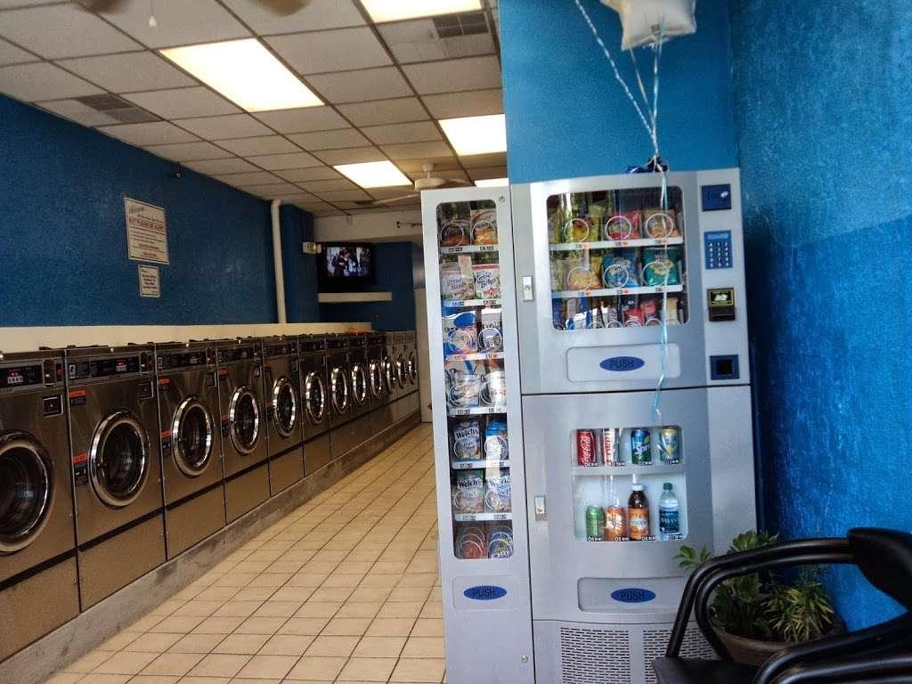 Mercedes Coin Wash Laundry Llc - laundry  | Photo 2 of 5 | Address: 200 Midland Ave, Kearny, NJ 07032, USA | Phone: (201) 991-2700