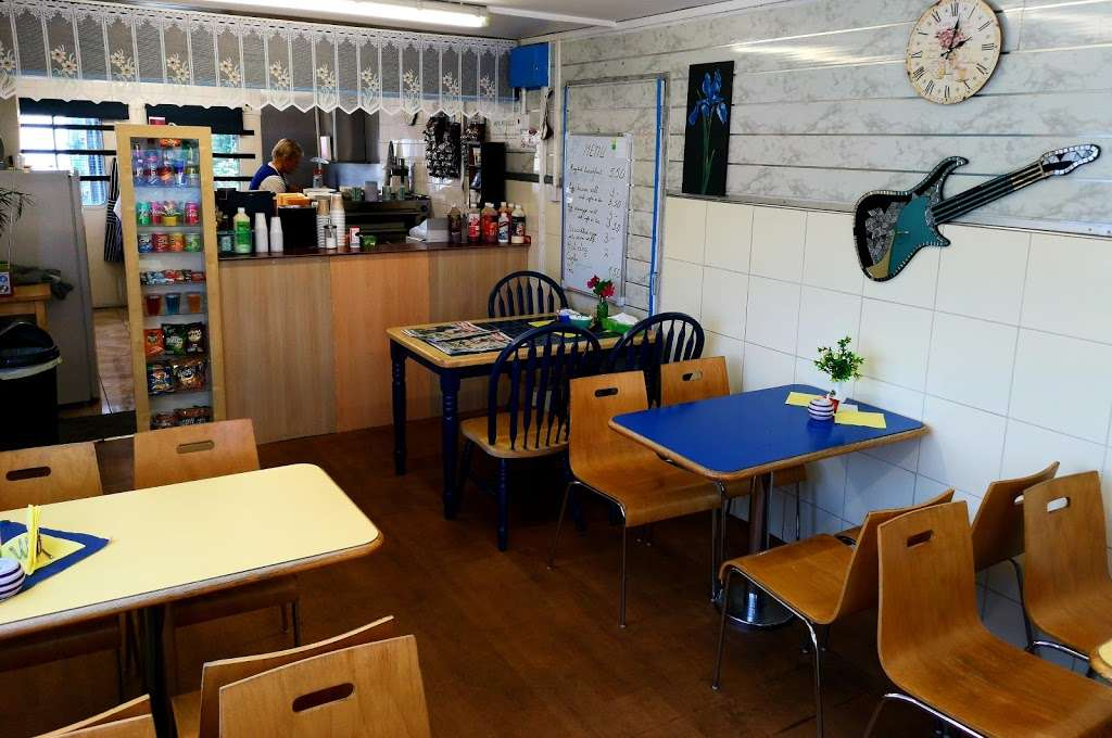 By The Way Cafe - cafe  | Photo 1 of 7 | Address: A20 Lay By, Southbound, Crockenhill, Swanley BR8 8DE, UK | Phone: 07774 113652