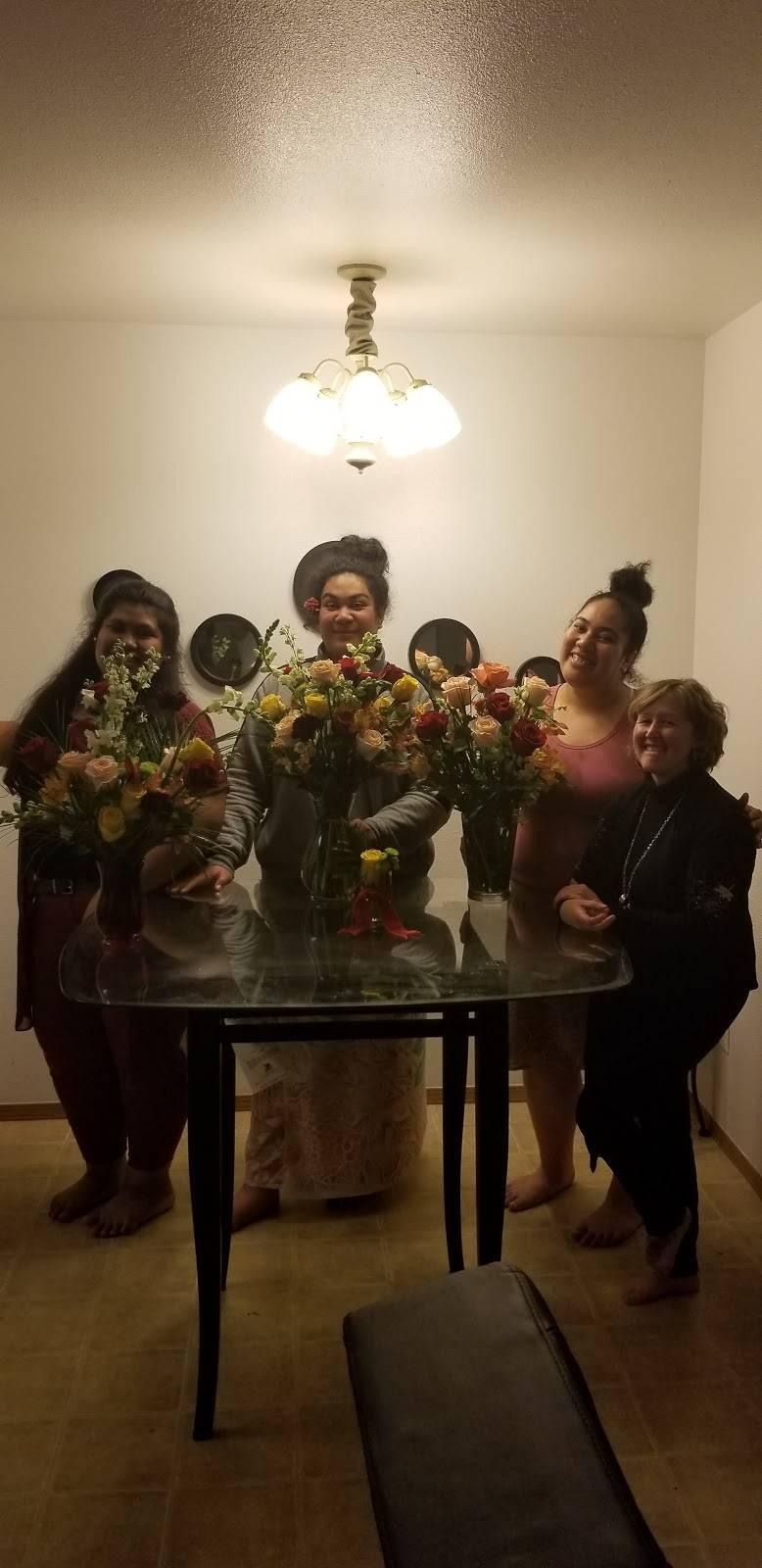 Red Carpet Flower Boutique - florist  | Photo 1 of 8 | Address: 12611 Landmark Ct unit b, Anchorage, AK 99515, USA | Phone: (907) 350-9792