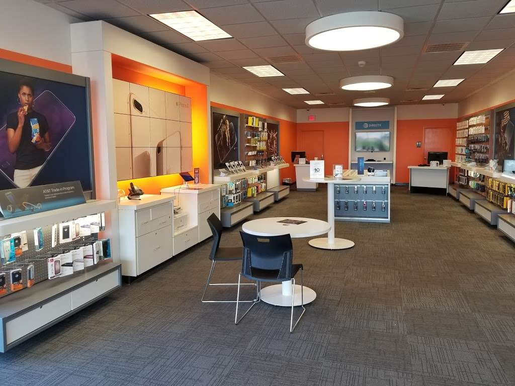 AT&T Store - electronics store  | Photo 5 of 10 | Address: 6646 Garth Rd, Baytown, TX 77521, USA | Phone: (281) 421-1900