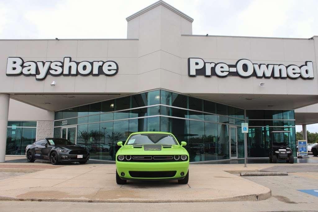 Bayshore Chrysler Jeep Dodge RAM - car dealer  | Photo 4 of 10 | Address: 5225, I-10 E, Baytown, TX 77521, USA | Phone: (281) 421-6000