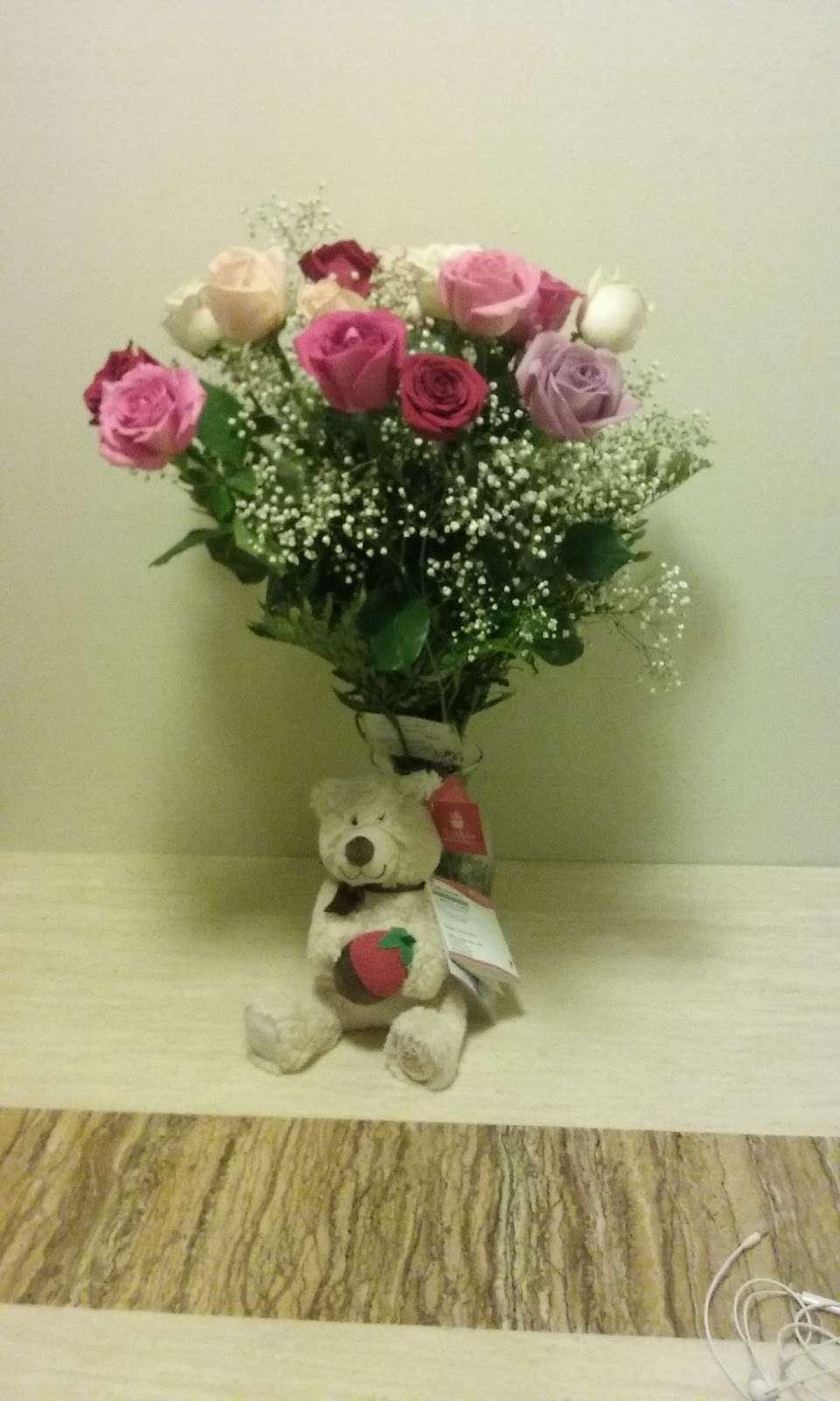 Creative Florist - florist    Photo 4 of 10   Address: 93-01 63rd Dr, Rego Park, NY 11374, USA   Phone: (718) 459-9292