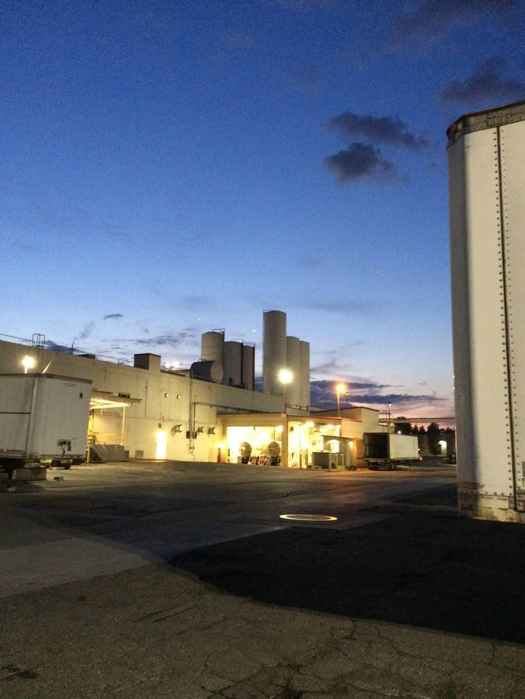 Darigold Warehouse - storage    Photo 7 of 10   Address: 4058 Rainier Ave S, Seattle, WA 98118, USA   Phone: (206) 725-9950
