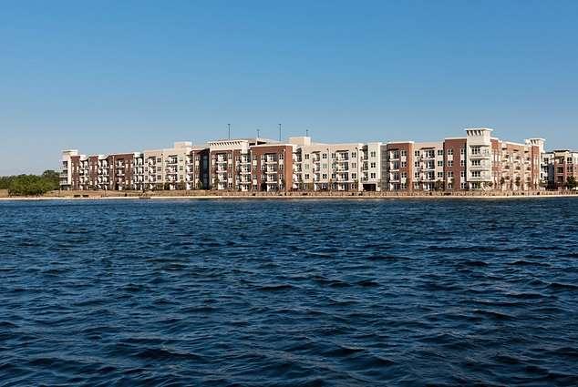 Lakeside Urban Center Apartments - real estate agency  | Photo 3 of 9 | Address: 850 Lake Carolyn Pkwy, Irving, TX 75039, USA | Phone: (469) 420-9624