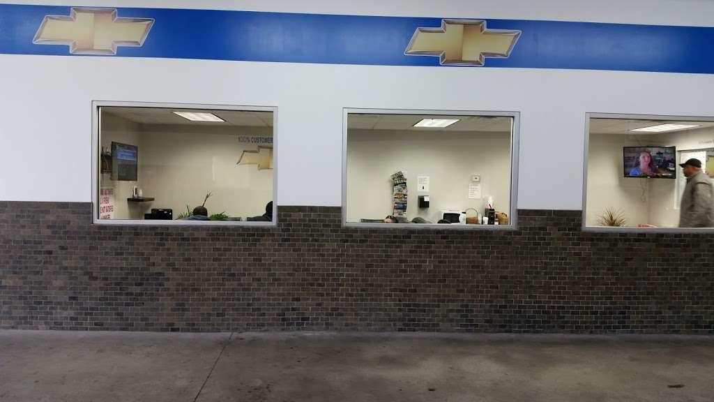 Major World Chevrolet Service - car repair  | Photo 10 of 10 | Address: 39-10 43rd St, Long Island City, NY 11101, USA | Phone: (718) 392-8605