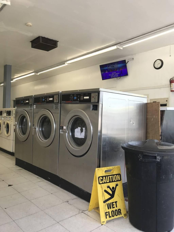 Launderland Bianchi - laundry  | Photo 9 of 10 | Address: 907 E Bianchi Rd, Stockton, CA 95207, USA | Phone: (209) 498-8370