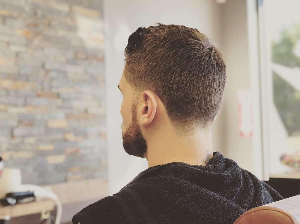 Danny's barbershop - hair care  | Photo 9 of 10 | Address: 150 S Main St, Newtown, CT 06470, USA | Phone: (203) 304-1632