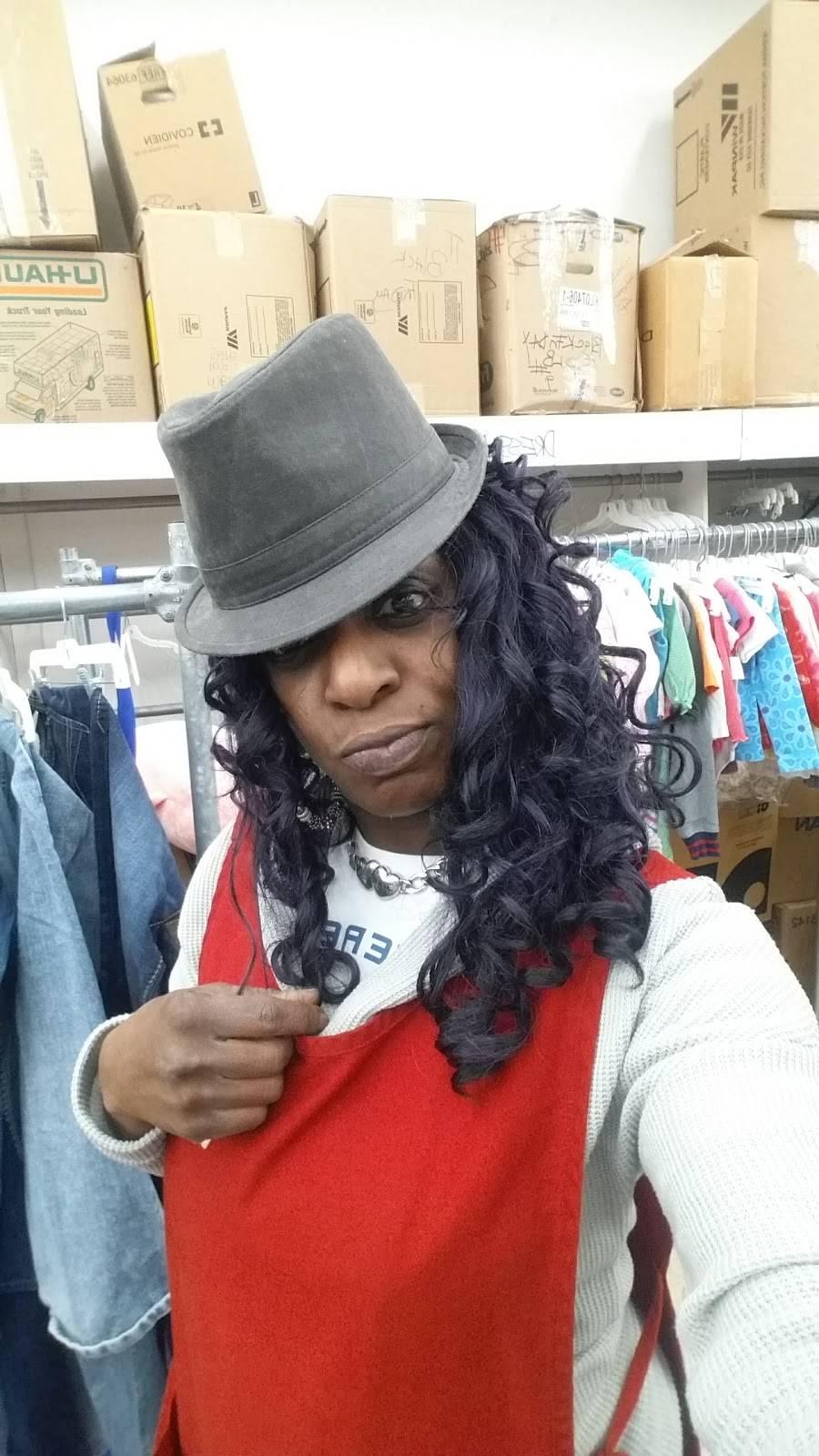 Value World - clothing store  | Photo 6 of 7 | Address: 2001 E Eleven Mile Rd, Warren, MI 48092, USA | Phone: (734) 728-4610