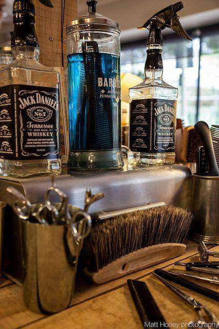 THE VILLAGE BARBERS 82 - hair care  | Photo 6 of 10 | Address: 82 Limpsfield Rd, Warlingham CR6 9RA, UK | Phone: 01883 624274