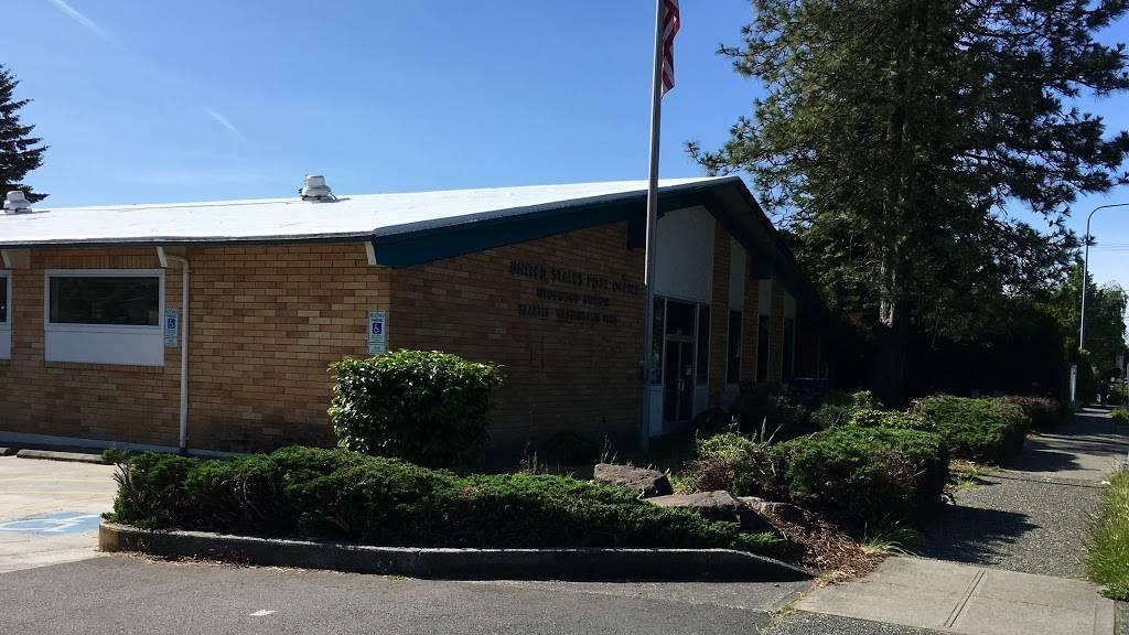 United States Postal Service - post office  | Photo 3 of 10 | Address: 7724 35th Ave NE, Seattle, WA 98115, USA | Phone: (800) 275-8777