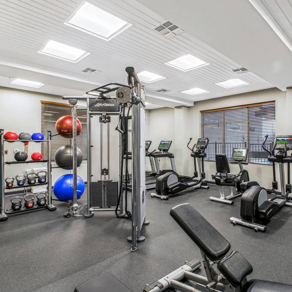 DoubleTree by Hilton San Antonio Northwest - lodging  | Photo 8 of 10 | Address: 6809 N Loop 1604 W, San Antonio, TX 78249, USA | Phone: (210) 690-0300