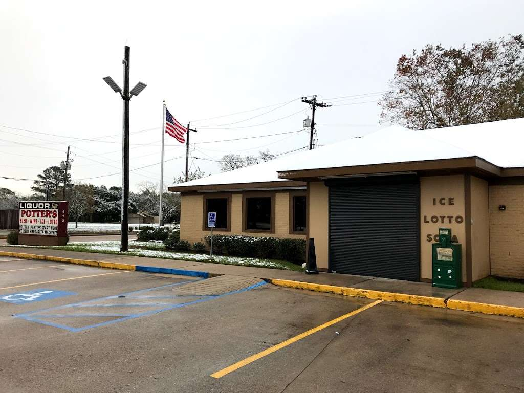 Potters Liquor - convenience store  | Photo 6 of 10 | Address: 412 N Friendswood Dr, Friendswood, TX 77546, USA | Phone: (281) 482-8633