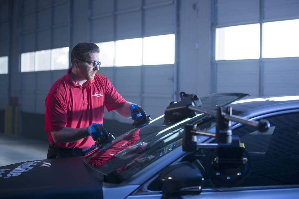 Safelite AutoGlass - car repair  | Photo 6 of 9 | Address: 205 Overlook Dr, Sewickley, PA 15143, USA | Phone: (412) 528-1836