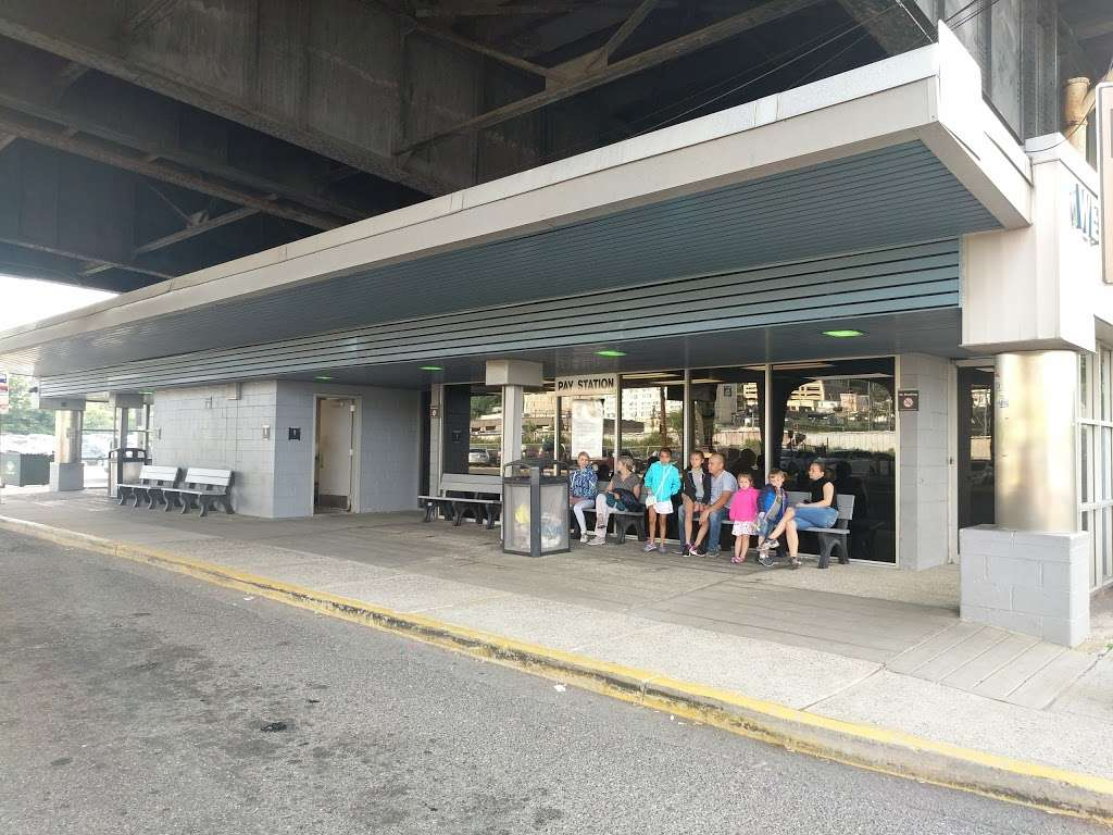 North Bergen Park & Ride Terminal Bldg. - bus station    Photo 9 of 10   Address: Route 3 West & I-495 East, North Bergen, NJ 07047, USA