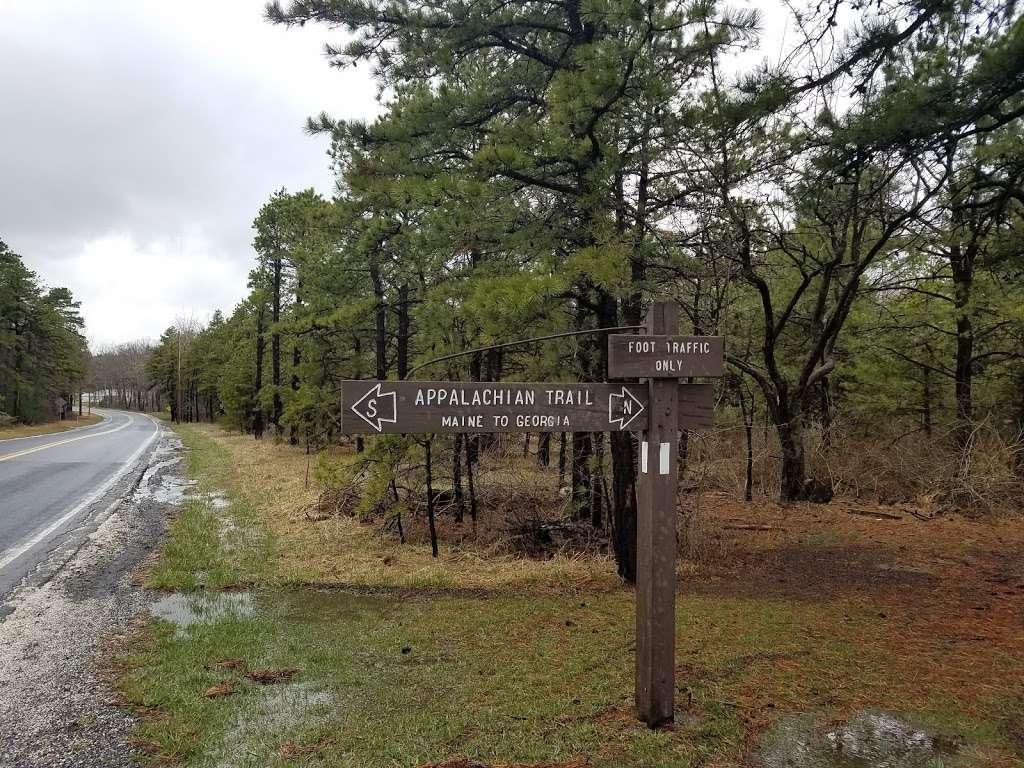 Big Flats Appalachian Trail Parking Lot - parking  | Photo 5 of 10 | Address: 2749 Shippensburg Rd, Biglerville, PA 17307, USA