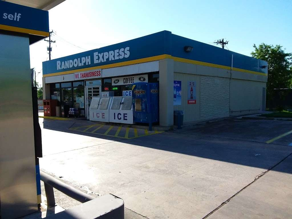 Valero - gas station    Photo 2 of 3   Address: 10634 FM78, Cibolo, TX 78108, USA   Phone: (210) 658-3738