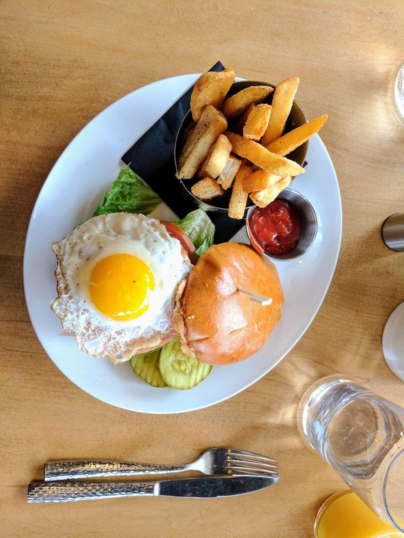 Bernies Restaurant & Bar Glenside - restaurant    Photo 2 of 10   Address: 391 Highland Ave, Glenside, PA 19038, USA   Phone: (215) 572-5927