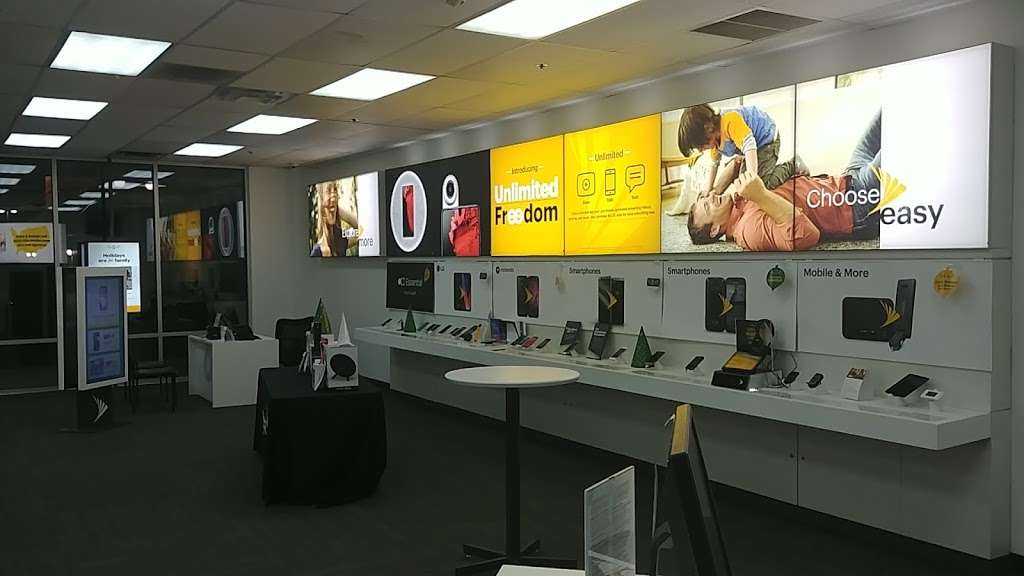 Sprint Store - electronics store  | Photo 3 of 10 | Address: 517 River Rd, Edgewater, NJ 07020, USA | Phone: (201) 654-0920