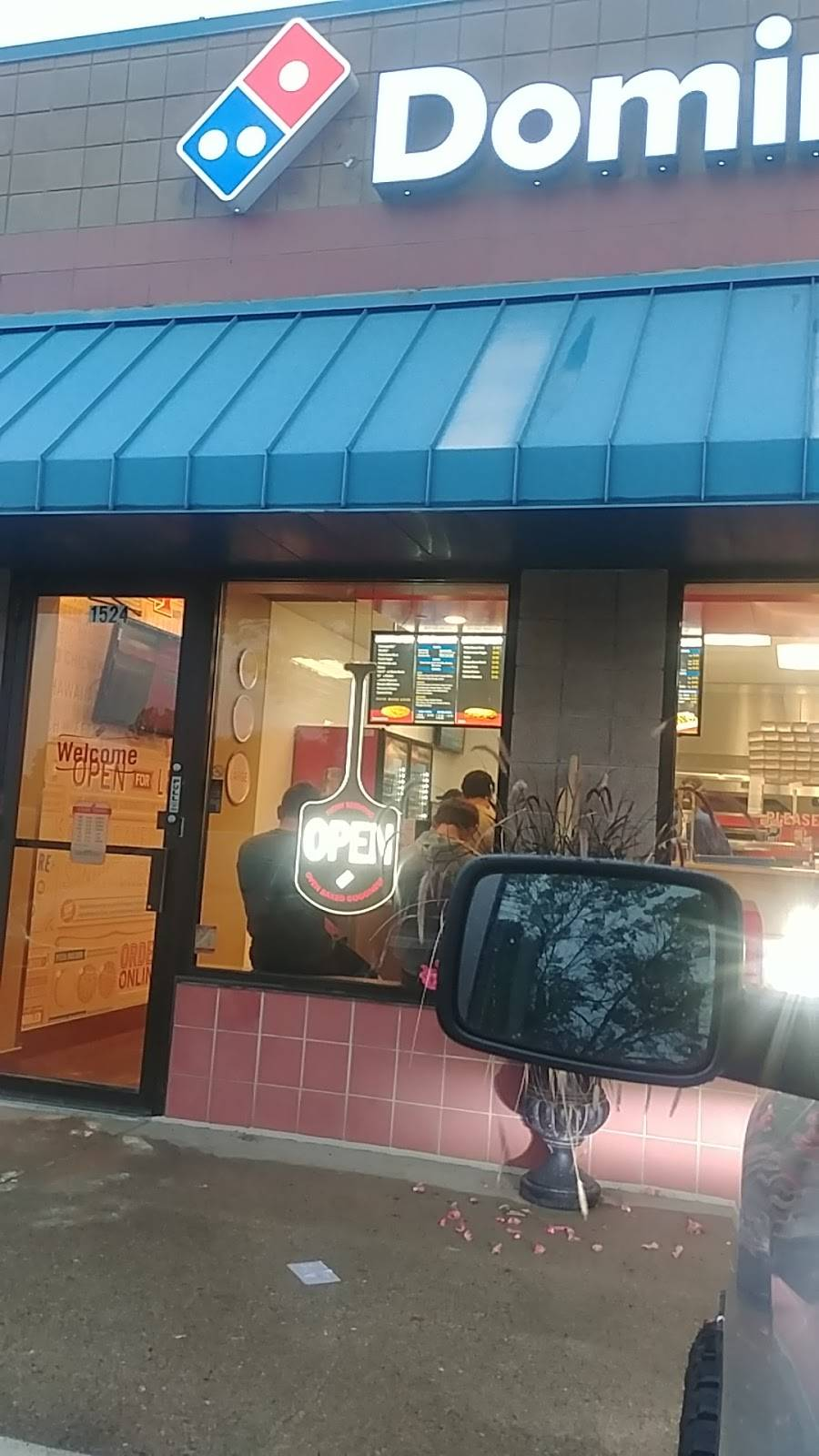 Dominos Pizza - meal delivery  | Photo 6 of 6 | Address: 1524 125th Ave NE, Blaine, MN 55449, USA | Phone: (763) 755-3030
