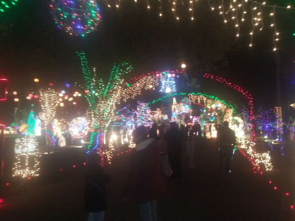 Gullo House Christmas Lights - movie theater  | Photo 1 of 1 | Address: 30723 Old Hockley Rd, Magnolia, TX 77355, USA