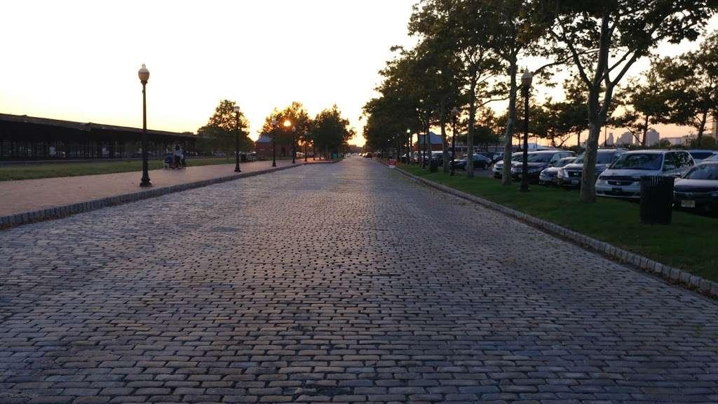 Liberty Park 2 Hour Parking (No Ferry Parking) - parking    Photo 5 of 6   Address: 243 Audrey Zapp Dr, Jersey City, NJ 07305, USA