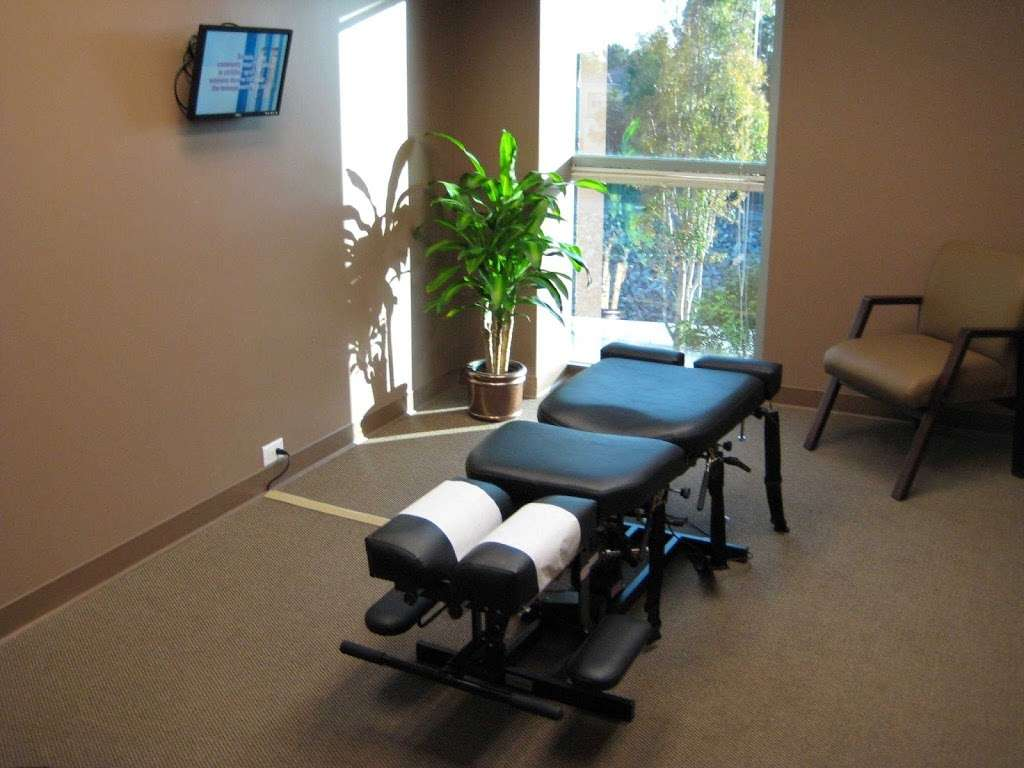 Lee Chiropractic - doctor  | Photo 4 of 10 | Address: 3500 Barranca Pkwy Suite 310, Irvine, CA 92606, USA | Phone: (949) 552-2100