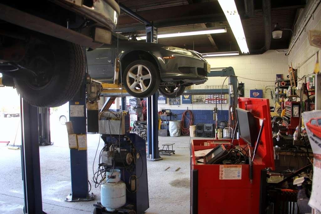 Aceto Auto Repair - car repair    Photo 5 of 10   Address: 6302 US-130, Pennsauken Township, NJ 08109, USA   Phone: (856) 910-9500