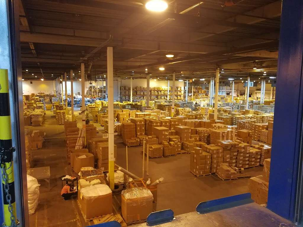 National Retail Systems, Inc. - moving company  | Photo 1 of 2 | Address: 2400 83rd St, North Bergen, NJ 07047, USA | Phone: (201) 330-1900