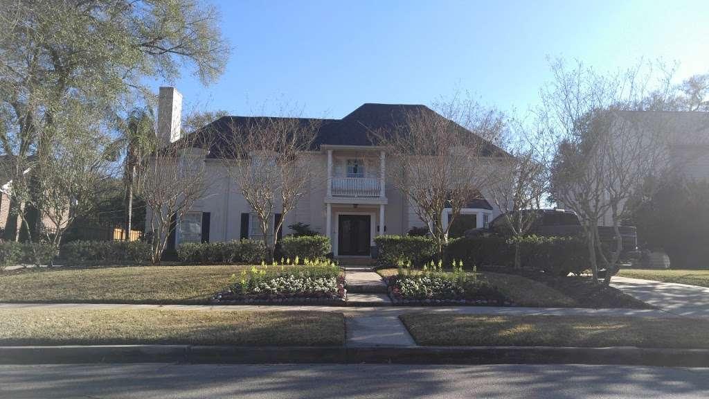 Beyonces childhood House - museum  | Photo 5 of 10 | Address: 3346 Parkwood Dr, Houston, TX 77021, USA | Phone: (318) 820-0015