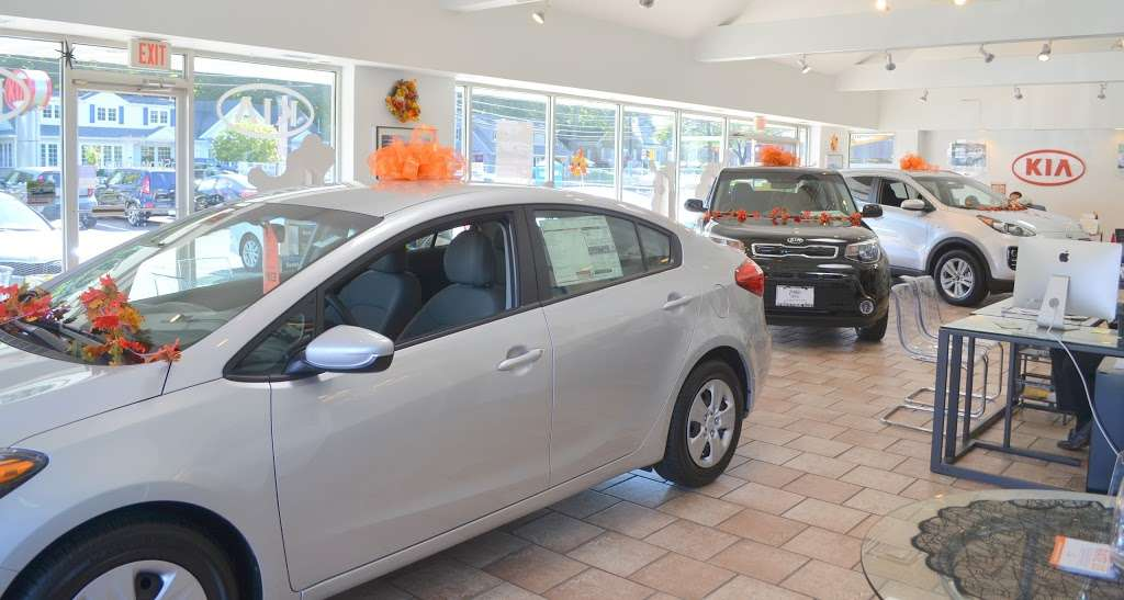 Prestige Kia - car dealer  | Photo 7 of 10 | Address: 95 County Rd, Tenafly, NJ 07670, USA | Phone: (201) 871-9400