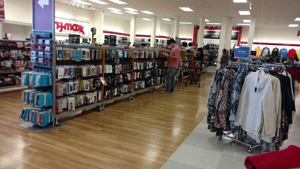 T.J. Maxx - department store  | Photo 3 of 10 | Address: 1401 Hawthorne Blvd, Redondo Beach, CA 90278, USA | Phone: (310) 214-3212