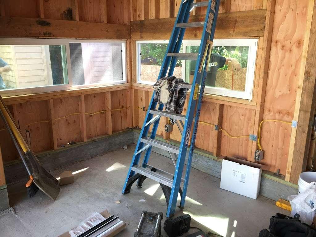 Michael Reyes Electrical - electrician  | Photo 1 of 10 | Address: 6939 Rhea Ave, Reseda, CA 91335, USA | Phone: (661) 236-9897