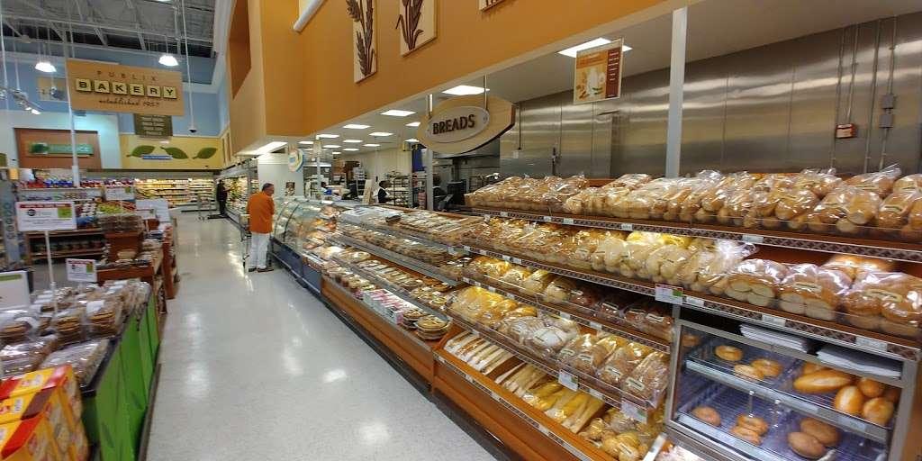 Publix Super Market at Veranda Shoppes - supermarket  | Photo 3 of 10 | Address: 550 N Pine Island Rd, Plantation, FL 33324, USA | Phone: (954) 475-5285